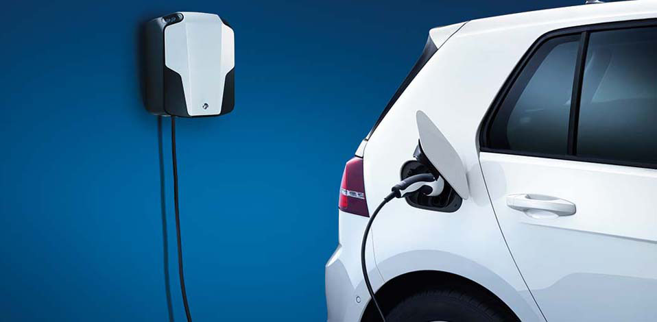 Volkswagen e-Golf exterior view rear charging station