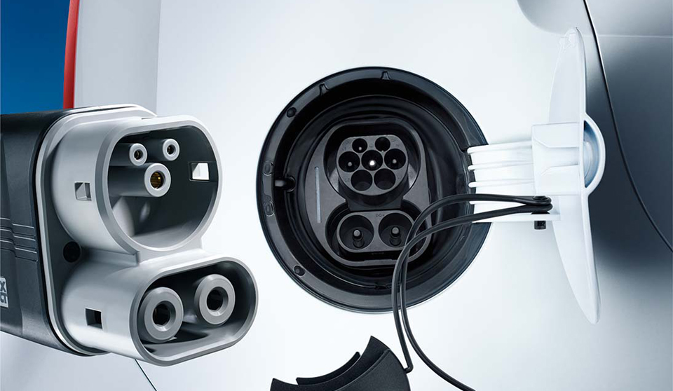 Volkswagen e-Up exterior view charger port