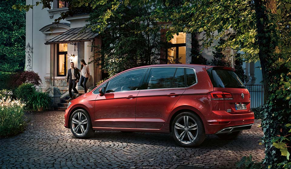 Car And Driver >> New Volkswagen Golf SV | Our 2018 Range : Volkswagen UK