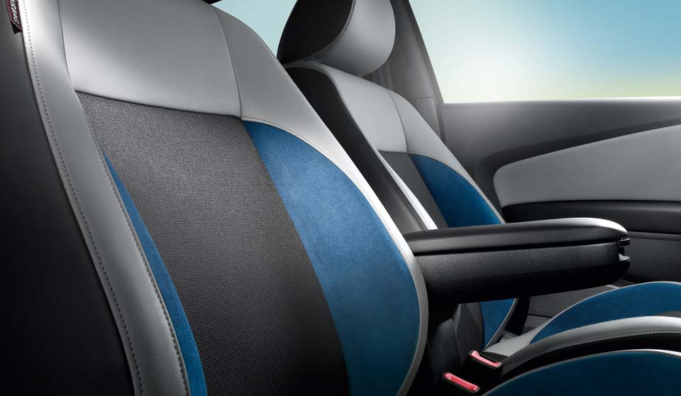 Volkswagen Polo GP exterior view front seats large