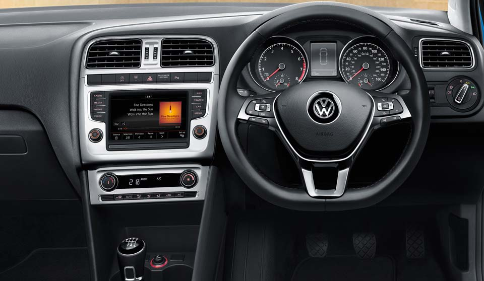Volkswagen Polo GP interior view steering wheel large