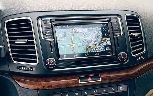 Volkswagen Sharan FL interior view dashboard