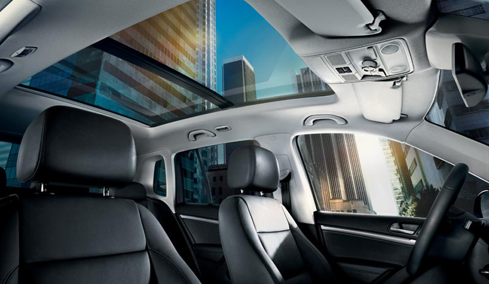 Volkswagen Tiguan GP interior view front seats roof large