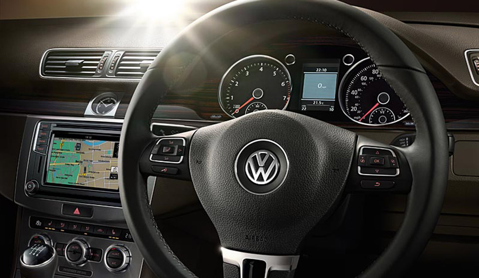 Volkswagen CC FL interior view steering wheel large thumbnail