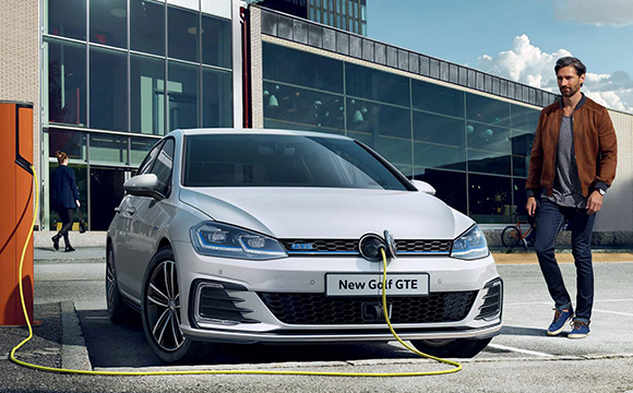 A new Golf GTE at an outdoor charging point.