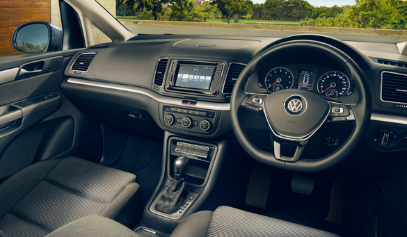 Car-Net app connecting a smartphone to a Volkswagen