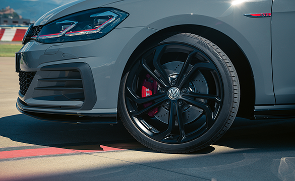 The front side view of the Golf GTI TCR alloy wheels