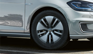 Close up of the e-Golf's Astana alloy wheels