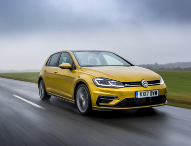 Golf R-Line in Tumeric Yello