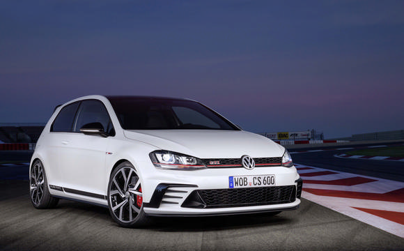 Golf GTI Clubsport on track