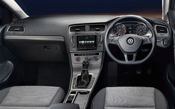 Used Golf Estate interior with steering wheel