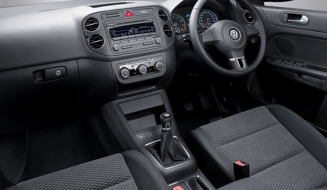 Used Golf Plus interior and steering wheel